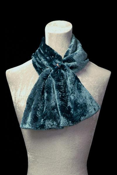 Sciarpe in velluto riccio con perle in vetro di Murano