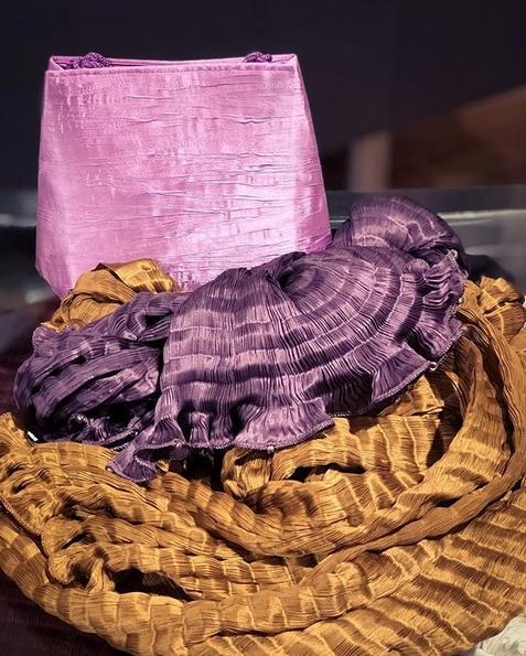 Plissettatura di borse e sciarpe Venetia Studium