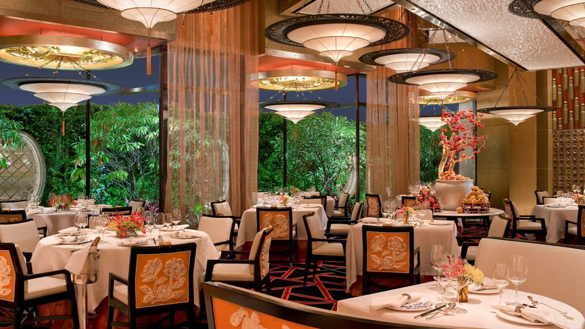 GOLDEN FLOWER Restaurant in China with Fortuny Lamps