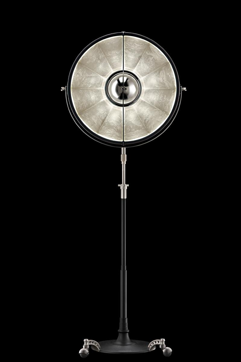 Lampada da terra Atelier 63 nera e argento