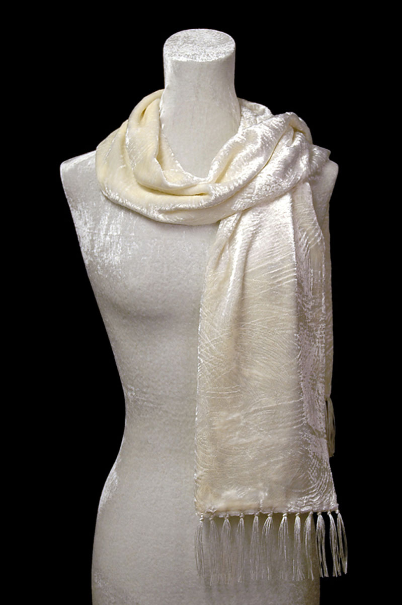 Sciarpa Fortuny in velluto riccio bianco con frange