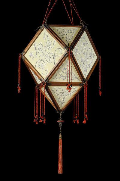 Lampada Fortuny Concubine Imperiale in seta con struttura in legno