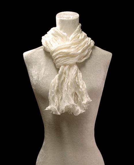 Sciarpa Fortuny di seta crepe satin bianca plissettata