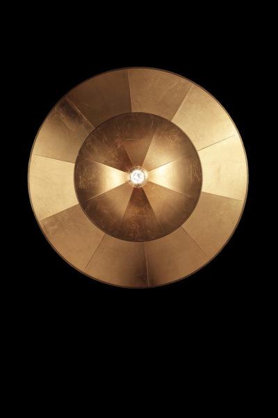 Lampada Icaro 2 dischi in fibra di vetro e foglia oro vista da sotto