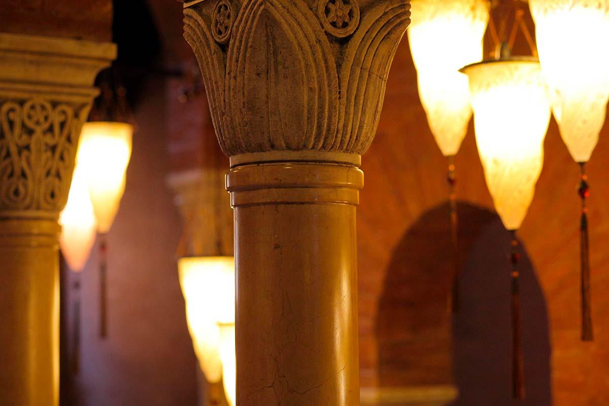 Palazzo Stern a Venezia con lampade Fortuny 4