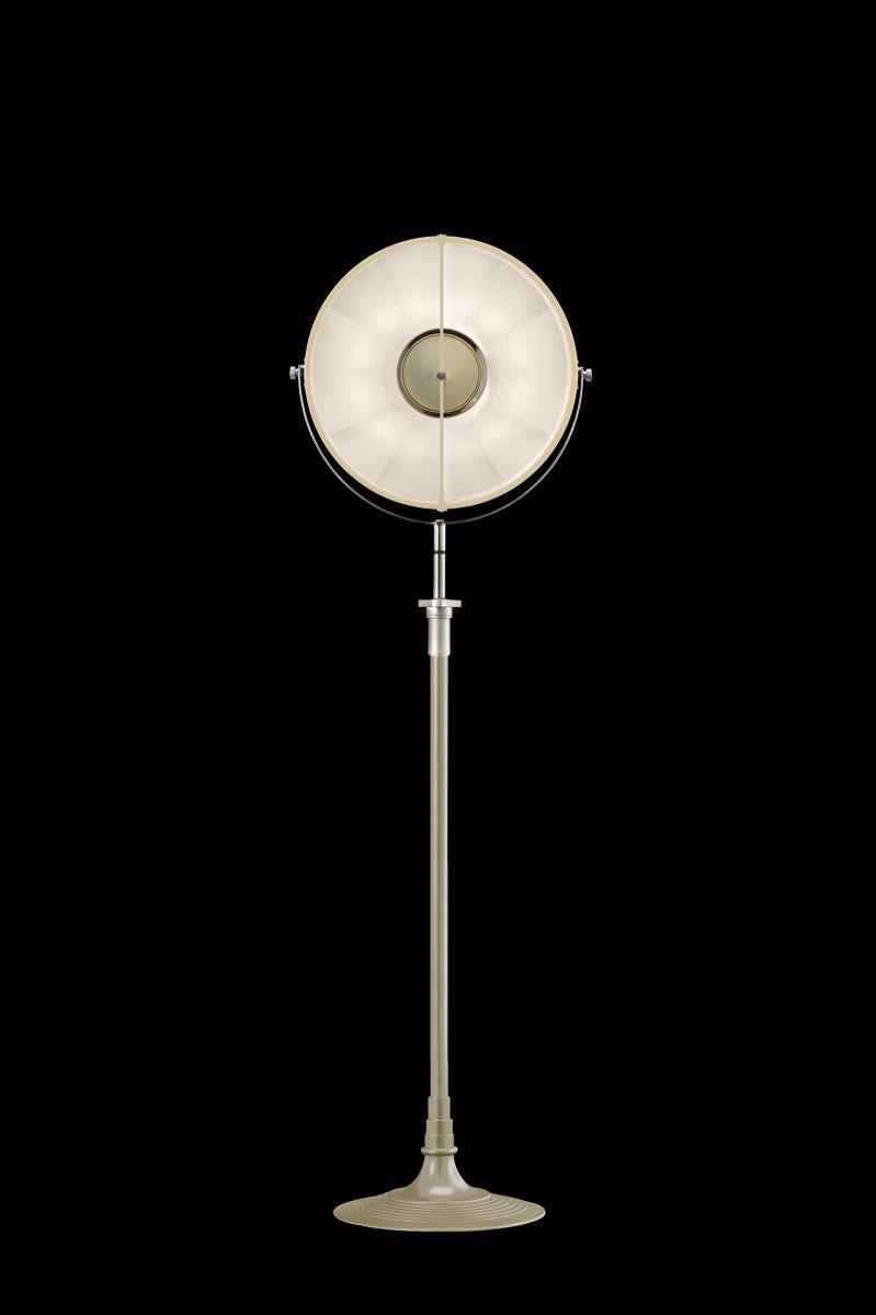 Lampada da terra Fortuny Studio 1907 Atelier 41 color quarzo e bianco