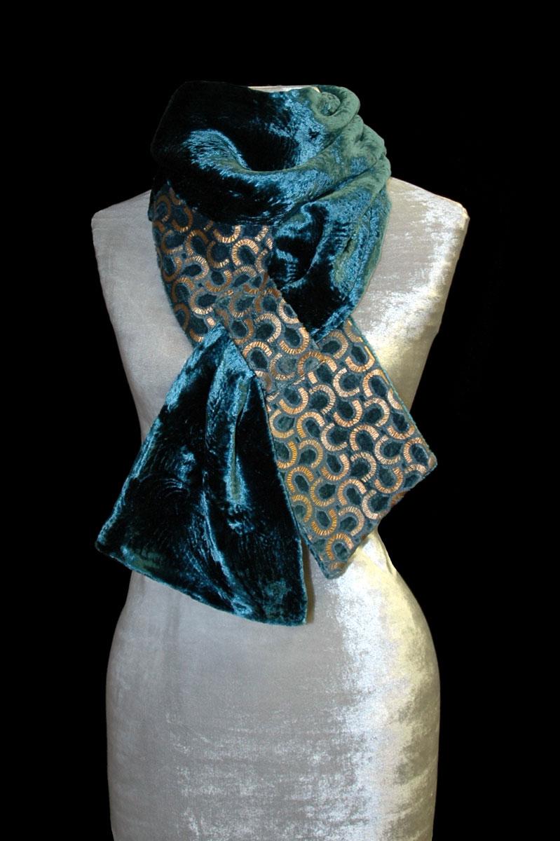 Sciarpa Fortuny in velluto stampato blu