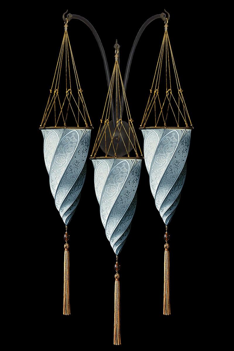 Lampada Fortuny Cesendello in seta azzurra da muro a triplo arco