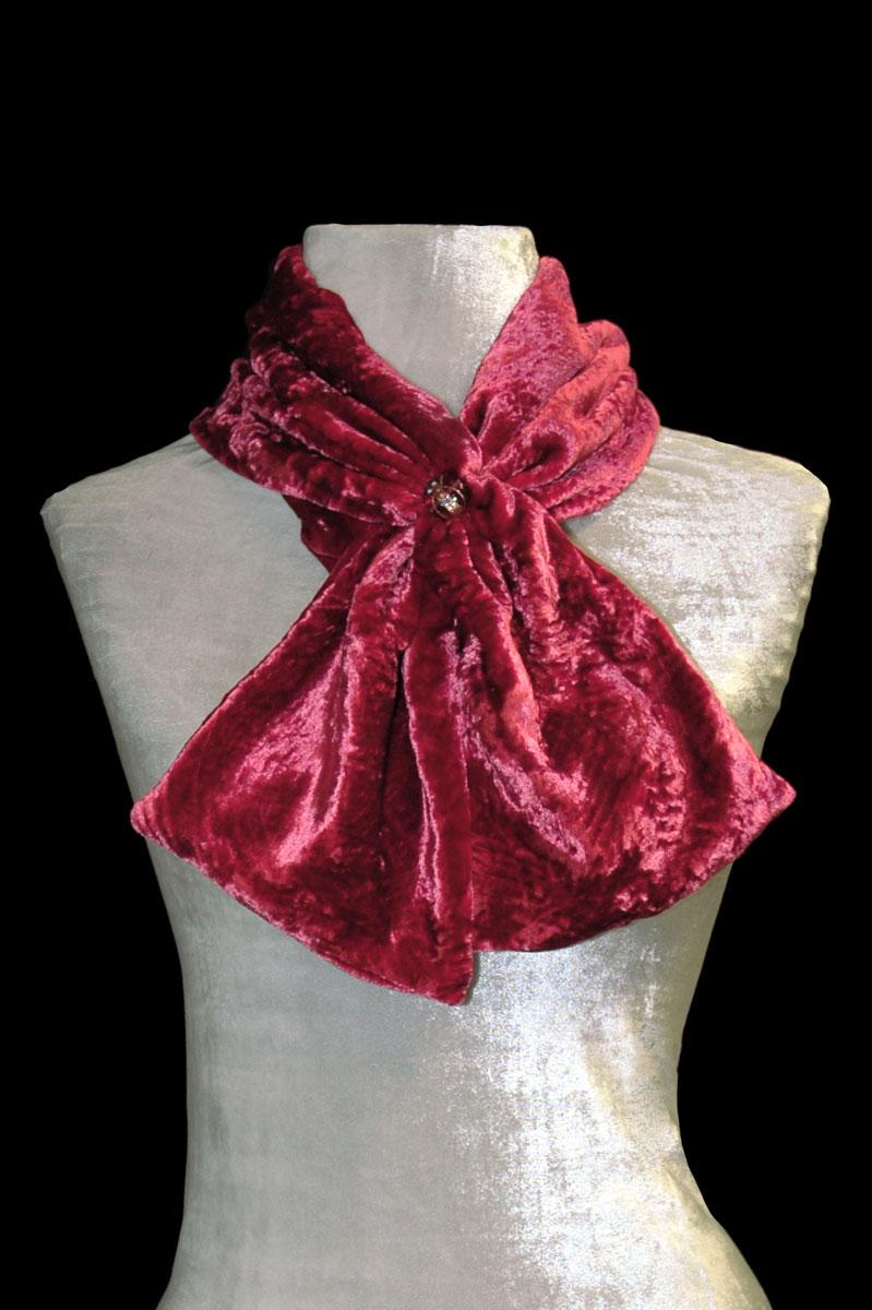 Sciarpa Fortuny in velluto riccio rosso carminio con perle in vetro di Murano