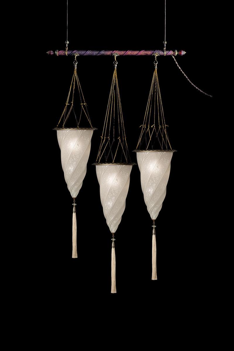 Lampada Fortuny Cesendello in vetro bianco su asta con 3 punti luceLampada Fortuny Cesendello in vetro bianco su asta con 3 punti luce