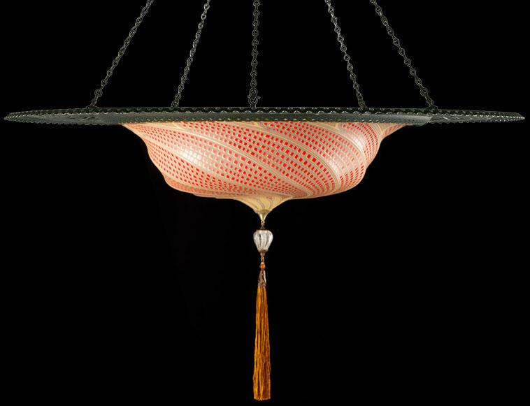Lampada Fortuny Scudo Saraceno in vetro rosso mosaico con anello metallico