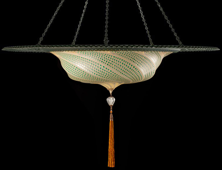 Lampada Fortuny Scudo Saraceno in vetro verde mosaico con anello metallico