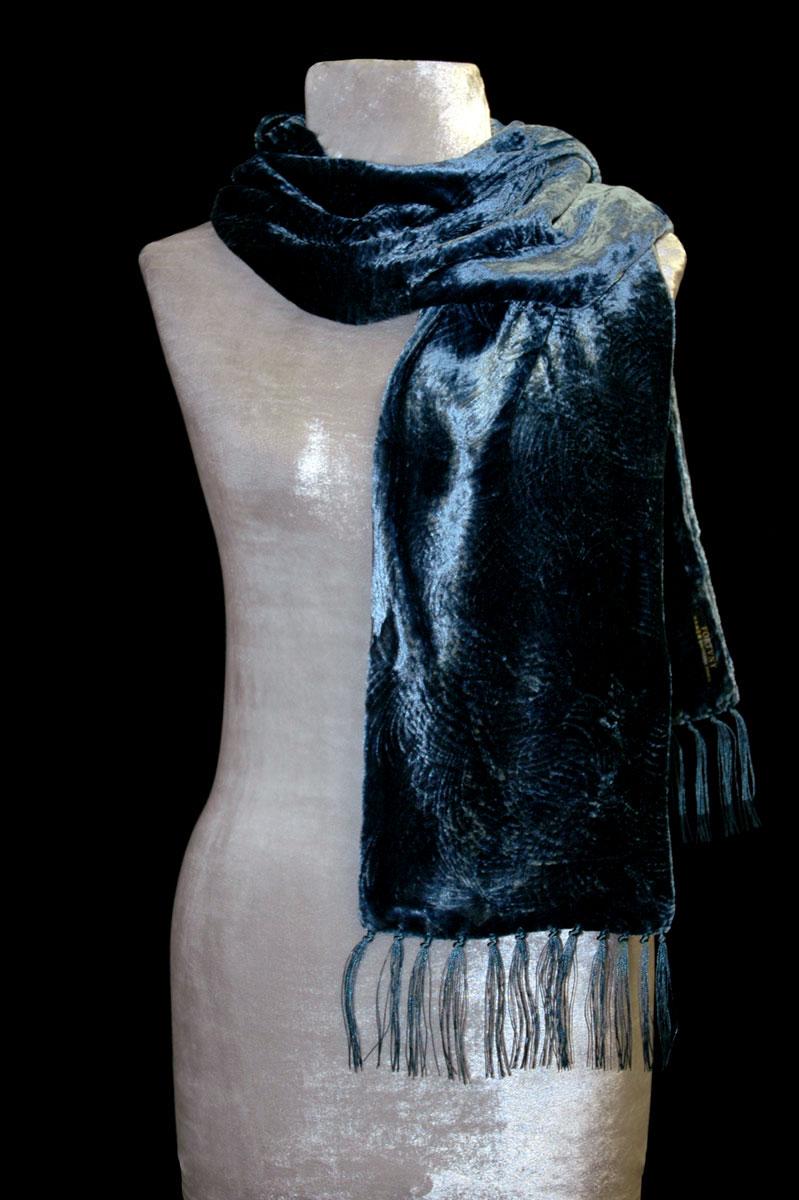 Sciarpa Fortuny in velluto riccio color carta da zucchero con frange