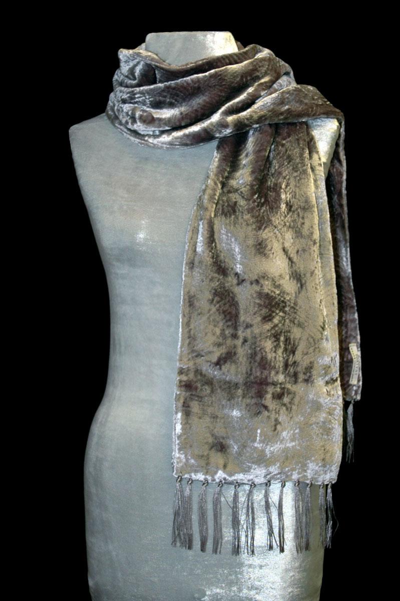 Sciarpa Fortuny in velluto riccio color sabbia e oliva con frange
