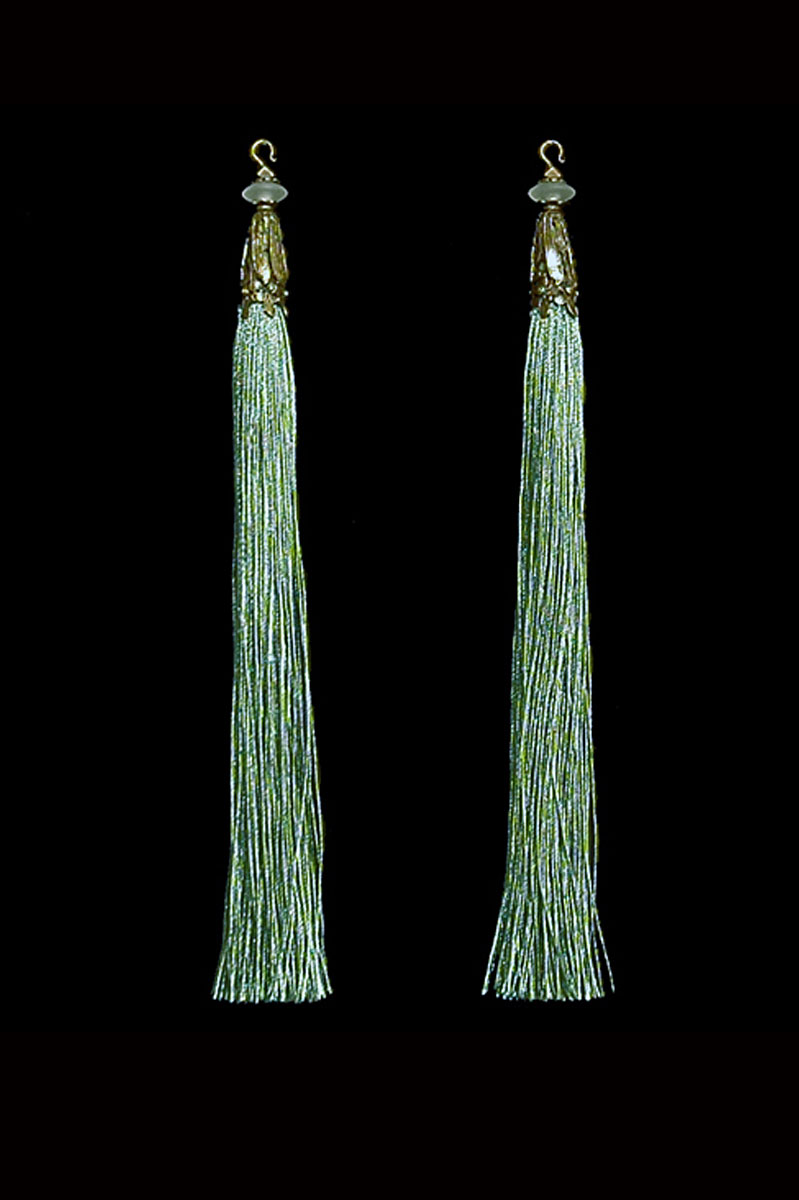 Venetia Studium couple of sage green hook tassels