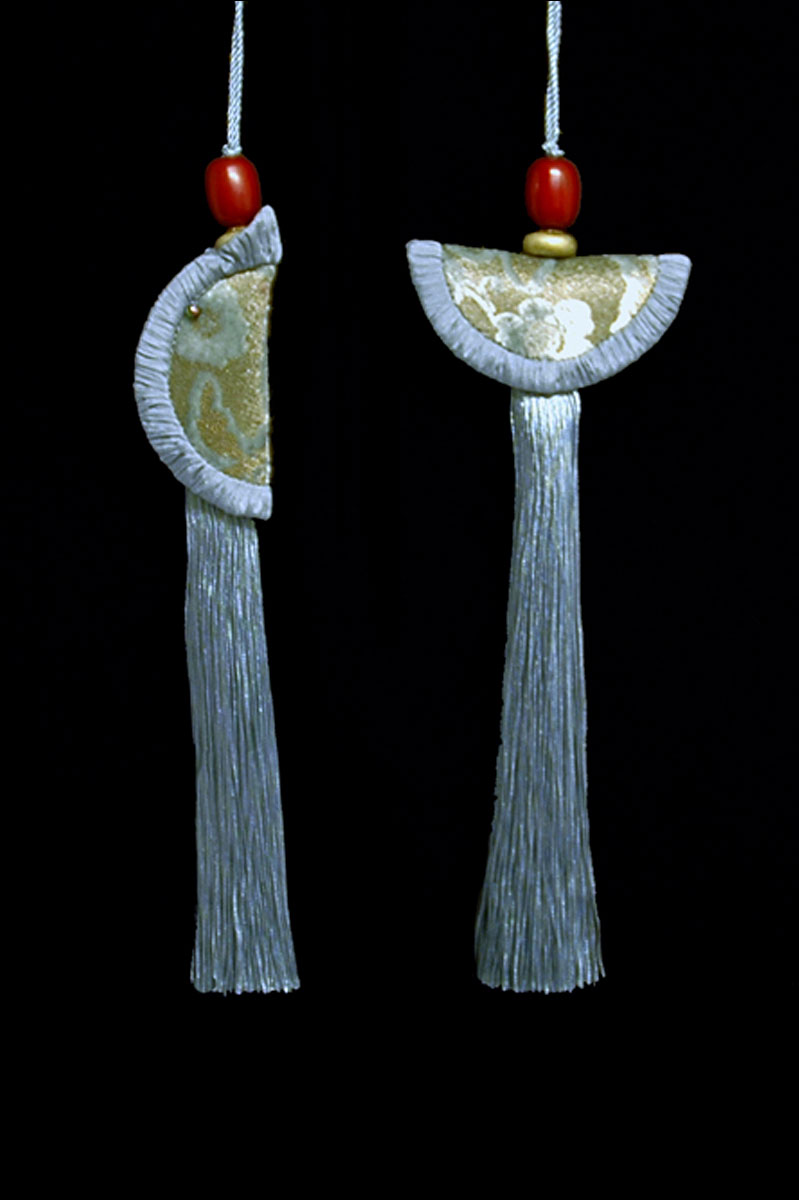 Venetia Studium couple of smoke blue Geisha & Samurai key tassels