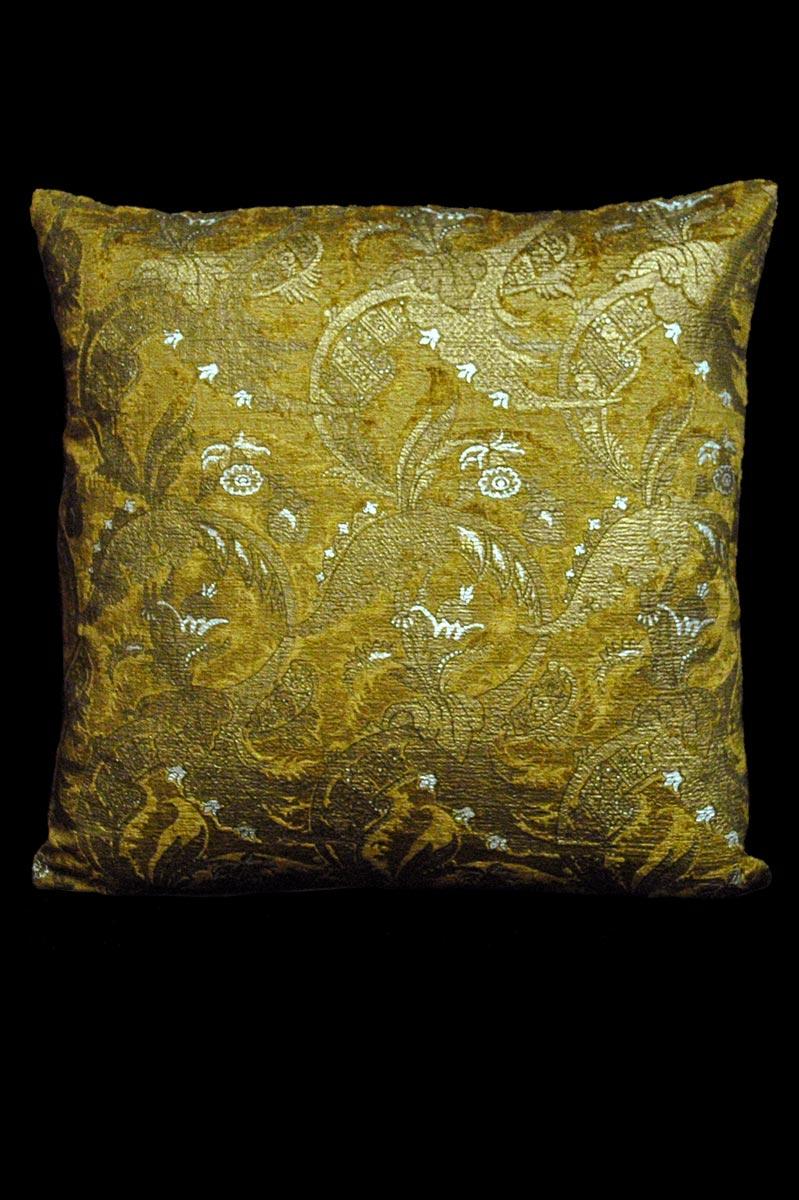 Cuscino quadrato Venetia Studium Bizarre in velluto stampato caramello