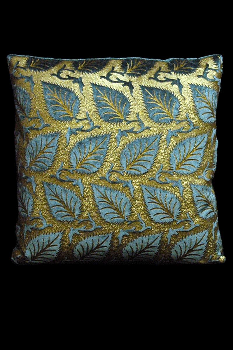 Cuscino quadrato Venetia Studium Helianthus in velluto stampato beige ottanio