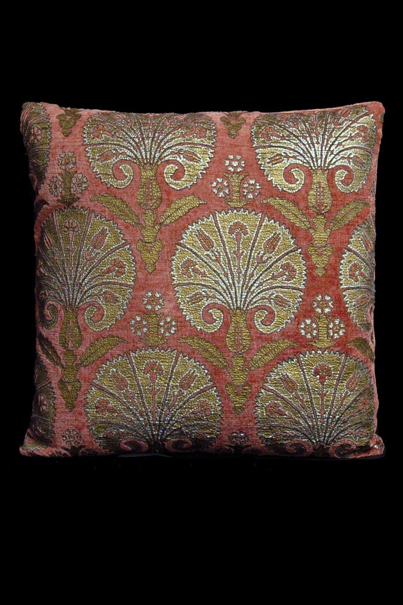 Cuscino quadrato Venetia Studium Istanbul in velluto rosa stampato