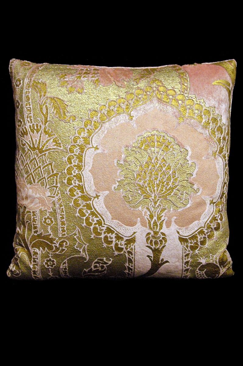 Cuscino quadrato Venetia Studium San Gregorio in velluto stampato rosa